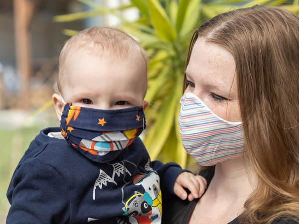 मास्क पहनने से बच्चे करते है आनाकानी, बच्चों के ऐसे समझाएं मास्क पहनने के नियम