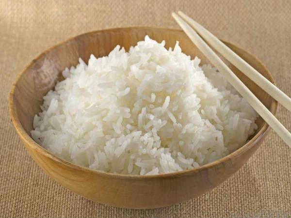 डिनर के बचे चावल से बनाएं केराटिन हेयर मास्क, पाएं सिल्की और मजबूत बाल