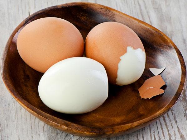 उबलने के कितनी देर बाद अंडा खाना चाहिए, जानें कितनी देर के अंदर हो सकते हैं ये खराब