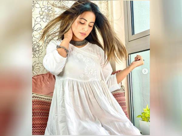 हिना खान का फैशन सेंस है शानदार, गणेश चतुर्थी पर करें कैरी और दिखें सबसे खूबसूरत