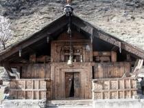 उत्तराखंड के इस गांव में है कर्ण और दुर्योधन का मंदिर