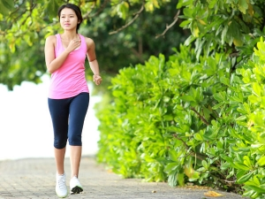 How Walking Helps Control Diabetes