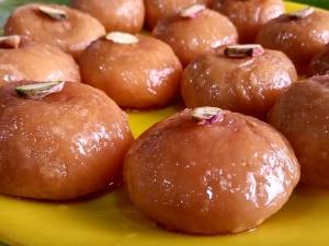 Mawa Kachori Recipe