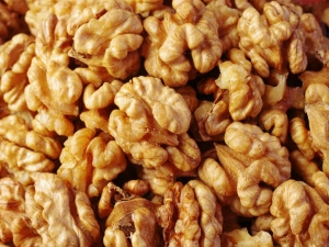 Why You Must Eat Walnuts During Pregnancy