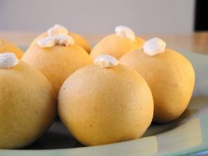 Kaju Khoya Besan Laddoo Recipe