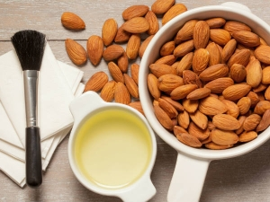 How Use Almond Oil Remove Makeup