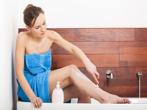 Ladies Never Do This While Shaving Your Legs