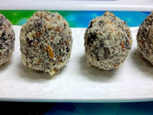 Biscuit Ladoo Recipe Diwali
