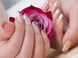 These Glitter Nail Looks Are What You Have Got Try