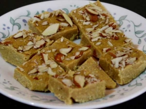 Delicious Sattu Ki Barfi Or Protein Bar Recipe