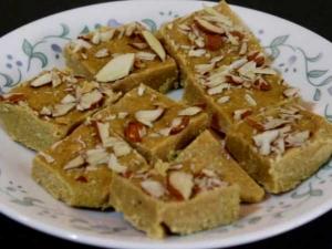 Delicious Sattu Ki Barfi Or Protein Bar Recipe