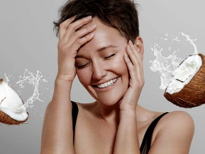 Why You Should Wash Your Face With Coconut Water In Summer