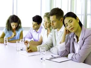 फूड कोमा: खाने के बाद अकसर क्यों आती है नींद?