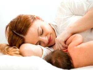 स्तनपान कराने वाली मां से कभी ना कहें ये 5 बातें