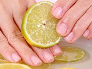 Lemon Manicure 01 02 Aid