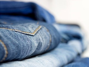 Wash Jeans Without Fading Aid