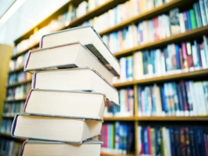 Ways Organise Your Book Shelf