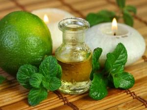 How Make Natural Mint Massage Oil