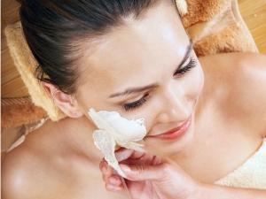 How Apply Face Masks Correctly