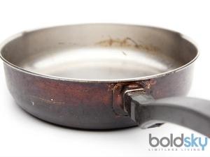 Easy Ways Clean Burnt Vessel