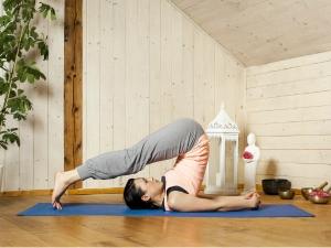 Yoga Asanas Relieve Migraine Headache