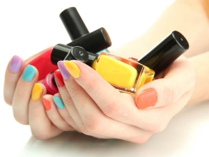 How Choose Nail Polish Colours Different Skin Tones