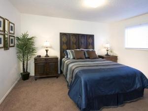 Simple Ideas Design Small Bedroom