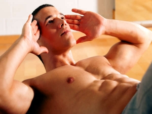 Five Mistakes We Make While Performing Crunches