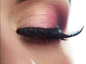 How Grow Eyelashes Naturally
