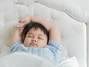 Early Bedtime Preschoolers Cuts Obesity Risk Later Study Su