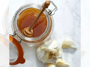 What Happens When You Eat Garlic Honey 7 Days