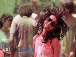 Tips Protect Your Hair During Holi