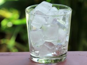 Benefits Applying Ice On Skin