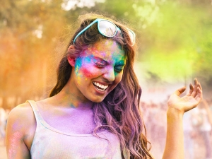 These Beauty Care Tips Keep Holi From Becoming Disaster