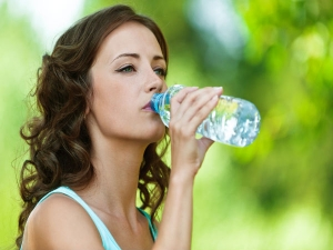 Side Effects Drinking Water While Standing