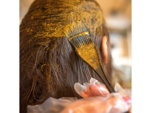 The Benefits Using Henna On Hair