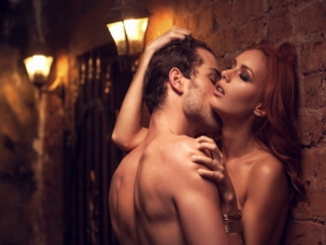 Five Hot Love Games To Play Tonight