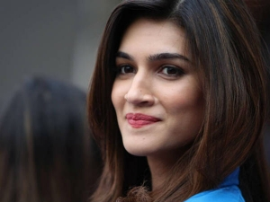 Do You Know Kriti Sanon Uses Besan To Exfoliate Her Skin Her 6 Beauty Secrets Revealed