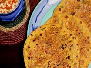 Rajasthani Missi Roti Recipe