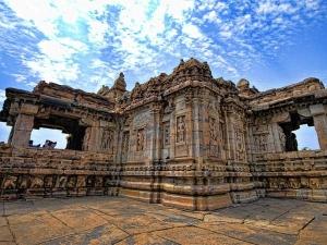 Ten Most Amazing Hindu Temples India