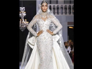 Paris Fashion Week Sonam Kapoor Is Fabulous Showstopper