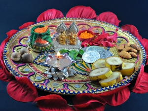 Hariyali Teej Puja Items Method Performing The Pooja