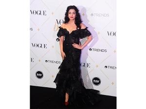 Aishwarya Rai Bachchan Looks Ready Kill This Black Dress