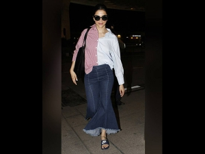 Deepika Padukone S Jeans Have Ruined This Quirky Shirt How