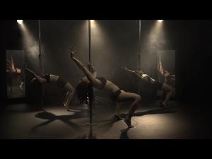 Aarifa Bhinderwala Muslim Pole Dancer
