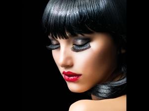 False Lashes May Be Harming Your Eyes