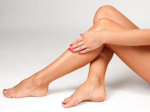 5 Natural Oils You Can Use To Get Shiny Legs