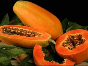 10 Different Ways To Use Papaya Hair Masks For Beautifu