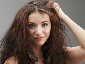 Rujuta Diwekar S Diet Take Care Your Hair Skin This Winter