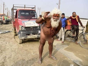 Naked Sadhu Who Pulled Truck Using His Penis